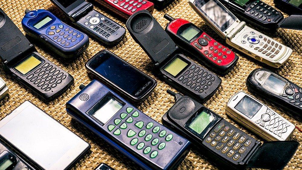 Смартфоны хуже и опаснее, чем устаревшие кнопочные телефоны